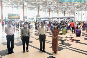 စင်ကာပူနိုင်ငံတွင် ရောက်ရှိနေပြီး မြန်မာနိုင်ငံသို့ ပြန်လည်ထွက်ခွာလိုသည့် မြန်မာနိုင်ငံသားများအား (၁၃) ကြိမ်မြောက် ကယ်ဆယ်ရေးလေယာဉ်(Relief Flight) ဖြင့် ပြန်လည်ပို့ဆောင်ပေး